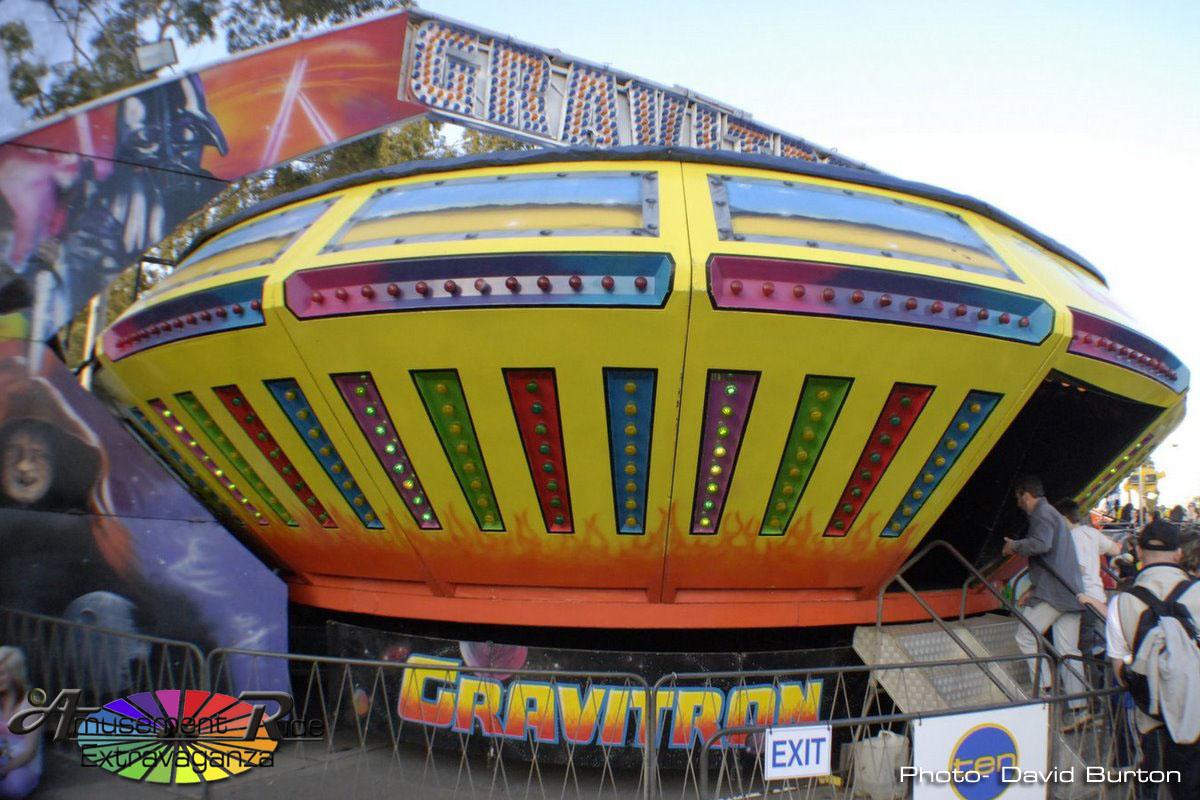Gravitron – Amusement Ride Extravaganza